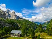 白云岩阿尔卑斯意大利 免版税库存照片