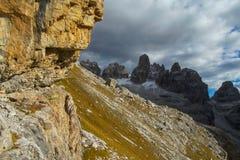白云岩, Dolomiti di Brenta落矶山脉在日落的 图库摄影