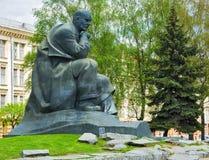 白俄罗斯语作家雅克布・科拉斯的纪念碑 免版税库存照片
