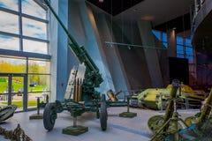 白俄罗斯,米斯克- 2018年5月01日:博物馆的巨大爱国战争陈列的状态博物馆室内看法与 免版税库存照片