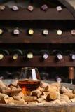 白兰地酒在葡萄酒库里 免版税库存图片