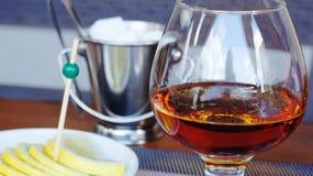 白兰地酒用柠檬 免版税库存图片