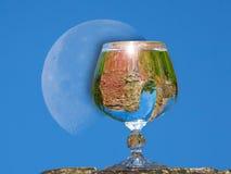 白兰地酒玻璃用水 库存图片