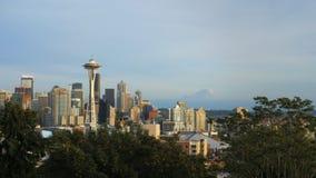 白天城市地平线和空间针在西雅图 影视素材
