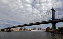 白天的布鲁克林大桥 免版税图库摄影