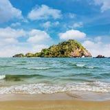 白天的秀丽海岛 免版税库存图片