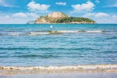 白天的秀丽海岛 图库摄影
