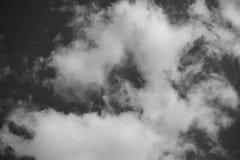 黑白天空 免版税库存照片