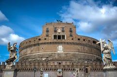 白天Castel Sant'Angelo城堡博物馆前面外部罗马 免版税库存图片
