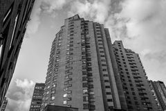 黑白居民住房在街市波哥大-波哥大,哥伦比亚 库存图片