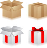 白方块有红色丝带的礼物盒 免版税库存图片