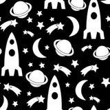 黑白无缝的空间样式 与星的宇宙背景,行星,太空飞船,火箭,月亮 库存照片