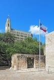 白杨地面、得克萨斯旗子和和埃米莉摩根旅馆 库存照片