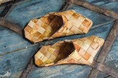 从白桦树皮的产品 免版税库存照片