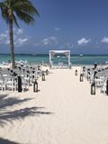 黑白海滩婚礼 库存照片