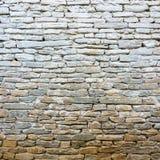 白涂料老石墙 库存图片