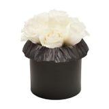 白玫瑰花束在白色背景隔绝的黑匣子的 免版税库存照片