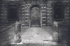 黑白的托斯卡纳镇 免版税库存图片