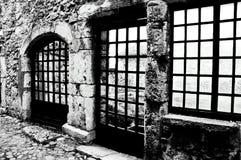 黑白的Windows 免版税库存照片