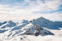 白种人土坎的山的积雪覆盖的峰顶 免版税库存照片