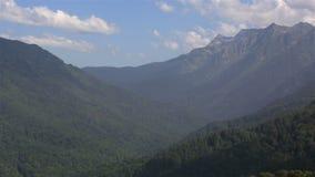 白种人山的全景 影视素材