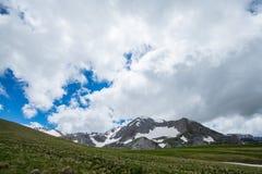 白种人山, Oshten 库存图片