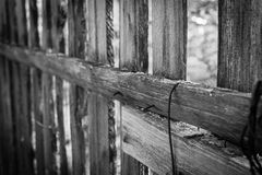 黑白篱芭的背景 库存图片