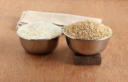 白米和健康食物糙米 库存照片