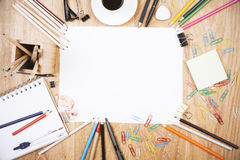 白纸板料和供应 免版税库存图片
