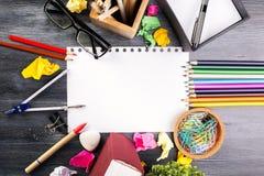 白纸板料和供应 免版税图库摄影