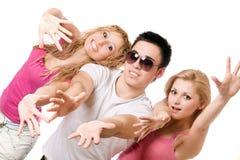 白肤金发的人嬉戏的纵向二年轻人 库存照片