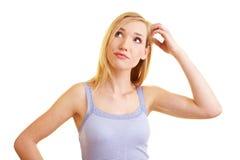 白肤金发的体贴的妇女 免版税图库摄影