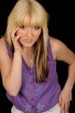白肤金发的俏丽的妇女年轻人 免版税库存图片