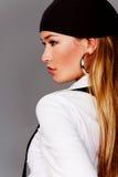 白肤金发的俏丽的配置文件妇女 图库摄影