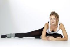 白肤金发的健身女孩体育运动 图库摄影