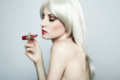 白肤金发的典雅的hai裸体纵向妇女 图库摄影