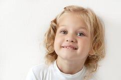 白肤金发的加工好的女孩空白的一点 图库摄影