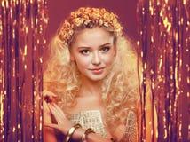 白肤金发的卷曲女孩头发 库存照片