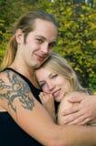 白肤金发的夫妇年轻人 免版税库存图片