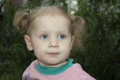 白肤金发的女孩一点 库存照片