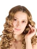 白肤金发的女孩头发的长的纵向 库存图片
