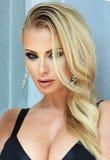 白肤金发的妇女秀丽画象有魅力构成的 库存照片