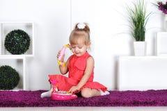 白肤金发的小女孩 免版税库存照片