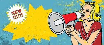 白肤金发的扩音机妇女 免版税图库摄影