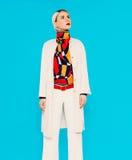 白肤金发的时装模特儿 季节的倾向 免版税库存图片