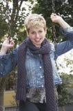 白肤金发的时髦妇女 免版税库存图片