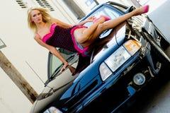 白肤金发的汽车体育运动 库存图片
