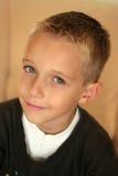 白肤金发的男孩 免版税库存图片