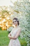白肤金发的礼服婚礼年轻人 免版税库存照片