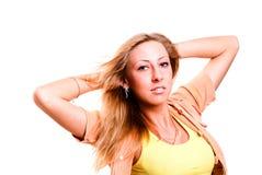 白肤金发的纵向俏丽的妇女 免版税图库摄影